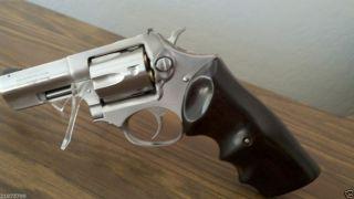 Revolver Grips Eagle Ebony O s Finger Grove for Ruger SP101
