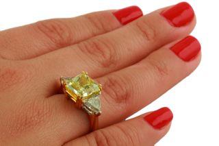 18K Yellow Gold Radiant Fancy Yellow Diamond Ring 5 00ct Total Diamond