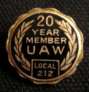 UAW United Auto Workers 20 YEAR MEMBER Local 212 Screwnut Pin Michigan