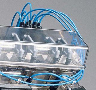 Revell Visable V 8 Engine Model Kit   14 Scale Replica / NEW