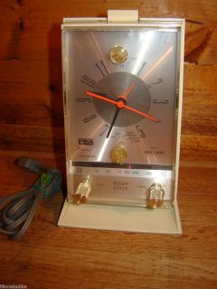 AC Alarm Clock & AM Radio model 57R78   Clock & Radio work Great