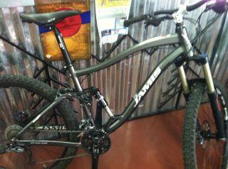 2011 Jamis Dakar SixFIfty B1 Full Suspension 19 Mountain Bike