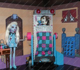 Monster High Dead Tired Bedroom Bookcase Kit.Powder Room, Doll