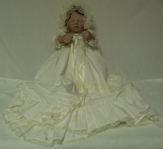 1988 Lee Middleton First Moments Christening Doll 21, Sleeping Baby