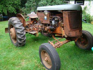 1947 Case Farm Tractor Vac w Swail Blade Runs No Reserve