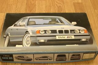 Fujimi BMW M5 1 24 Scale Model Kit