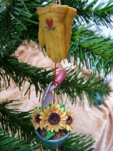 Garden Gardening Sunflower Gloves Trowel Pot Ornament
