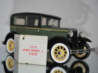 Franklin Mint 1930 Ford Model A Tudor 1 24 Display Piece K
