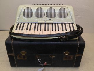 Galanti Vintage Used Student 41 120 Piano Key Accordion with Case