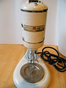 VINTAGE GENERAL ELECTRIC MIXER 149M8 3 BEATER DECO 1940S WORKS