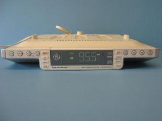 GE Spacemaker 7 5295A Superslim Kitchen CD   2 Band Digital Radio w
