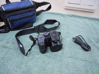 General Imaging GE X500 16MP Digital Camera Black with Bag