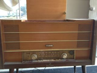 Vintage RCA International Record Player/Radio/Tape Recorder (Made in W