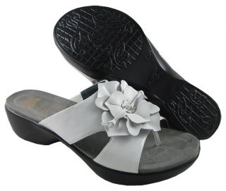New Dansko Womens Dahlia Patent White Sandals US