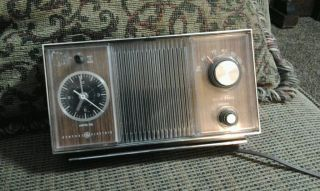 Vintage General Electric Radio Working Am