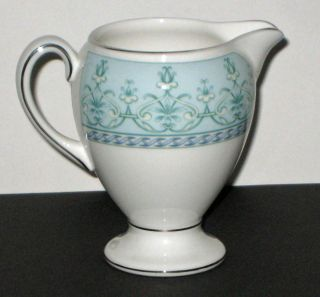 Wedgwood Footed Amesbury Creamer New Boxed United Kingdom
