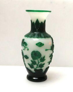 Chinese Green White Overlay Peking Glass Vase VS315