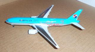 Dragon Wings Korean Air Airlines 777 200