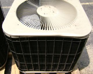 Goodman Central Air Conditioner AC 2 5 Ton 12 SEER CKJ30 1B