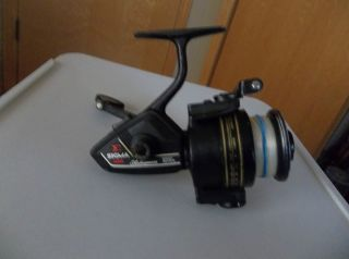 Vintage Shakespeare Sigma 2200 Series 050 Spincast Reel VG Condition