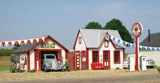 ALL AMERICAN SMALL ROADSIDE GAS SERVICE STATION   LASER WOOD KIT HO