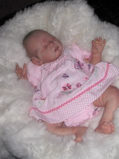 BEAUTIFUL BABY GIRLS 2PCE BUTTERFLY EMB DRESS SET   WILL FIT PREM OR