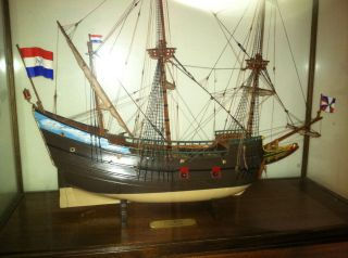 Henry Hudsons Half Moon Antique model Ship