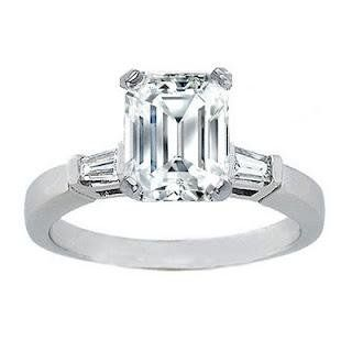 15 ct Ladys Emerald Cut Diamond Engagement Ring in 14 kt White Gold