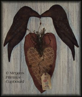 PRIMITIVE VALENTINES LARGE HEART & KISSING CROWS DOOR HANGER DOLL