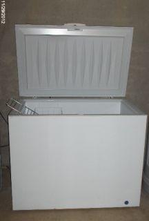 Frigidaire Heavy Duty Commercial Chest Freezer White FFC13C3AW0 1