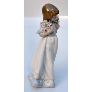Bouquets Retired Porcelain Figurine Sculpted by Juan Huerta