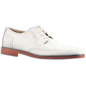Casual sophistication has never ed better! The Stacy Adams Telford