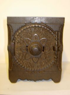 1897 J E STEVENS BURGLAR PROOF HOUSE SAFE CAST IRON KEY AND COMBO LOCK