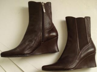 DONALD J PLINER Boots Espresso Pebble Leather Wedge Heel Ankle Boots