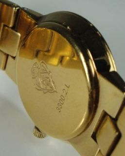 Ladies Gucci MOP Mother of Pearl Gold Tone Watch Roman Numeral 3300 2L