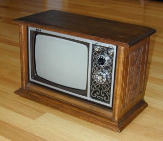 Unusual Miniature Vintage RCA Wood Console Working TV Set 10 5 in Tall
