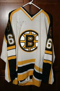Boston Bruins signed Joe Thornton hockey authentic jersey from rookie
