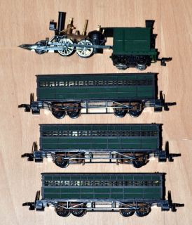 John Bull 2 4 0 Steam Locomotive & Passenger Cars Bachmann HO Scale