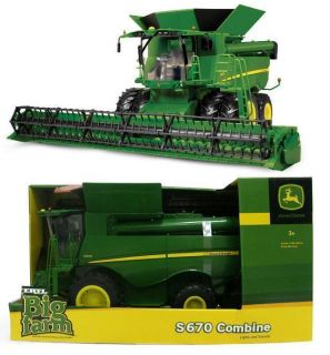 2012 Ertl 1 16 John Deere S670 Combine w Grain Head NIB Huge Toy