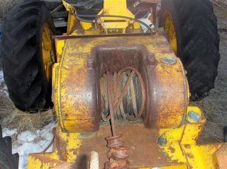 John Deere 440 A Skidder Winch