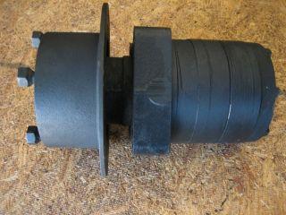 John Deere 2653 Ross Hydraulic Hydrostatic Wheel Drive Motor Hub AET111 M122378
