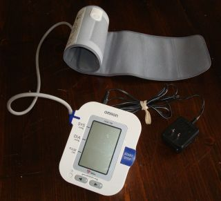 Omron HEM 780 Automatic Blood Pressure Monitor with ComFit Cuff in Arm