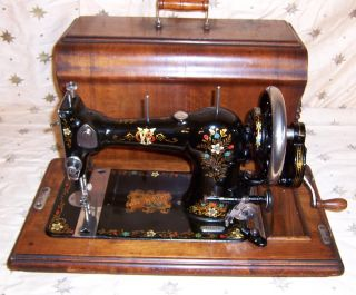 Antique Jones Hand Crank Sewing Machine CWS Federaton Family Machine