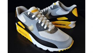 Nike Air Max 90 Hyperfuse Livestrong Hyp LAF NRG QS Infrared 526584