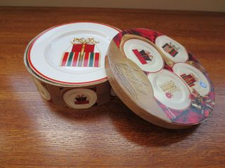 AMERICAN ATELIER AT HOME PORCELAIN CHRISTMAS DESSERT PLATES PRESENTS