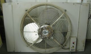 Vintage WTG Ventil Air Lakewood 19 Window Fan 2 Speed Reversible