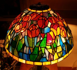 Tiffany Reproduction Stained Glass Lamp Shade Orange Red Tulip 16