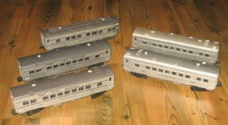 Lot of 5 Lionel Passenger Cars Appear to Have Pickups for Lights