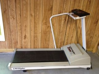 Lifestyler 8 0 MPH Treadmill 1 25 Horsepower Auto Incline