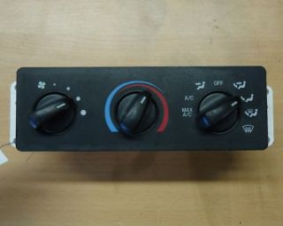 99 04 Ford Super Duty Excursion Heater Controls 803